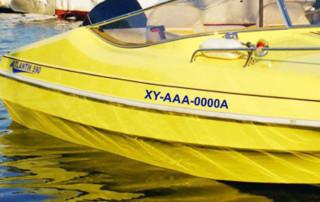 naklejki z numerem na łódź